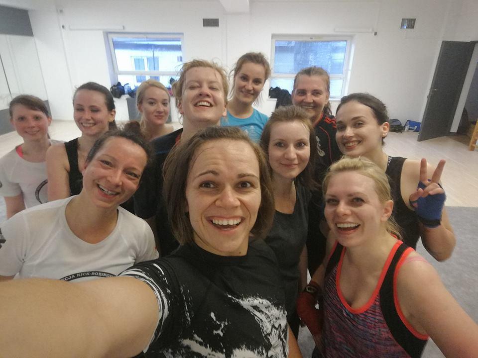 treningi dla kobiet kickboxing warszawa
